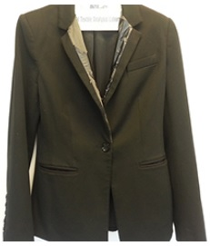 Heads Up! For this blazer with Disentregrating Trim